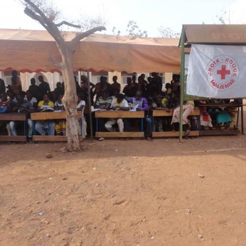 Humanitaire : LA CROIX-ROUGE EXPLIQUEE AUX ELEVES